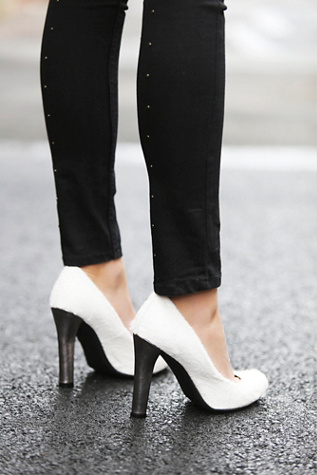 Jeffrey Campbell + Free People Women's Valencia Pump