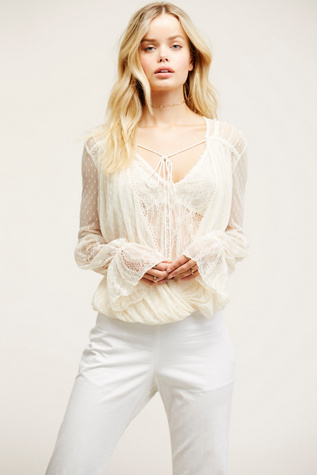Womens FAR AWAY TOP