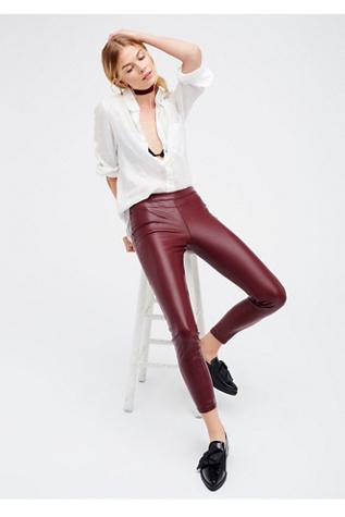 Blank NYC Womens VEGAN LEGGING