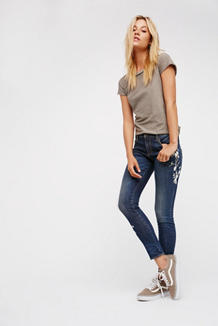 Driftwood Womens JACKIE EMBROIDERED JEAN