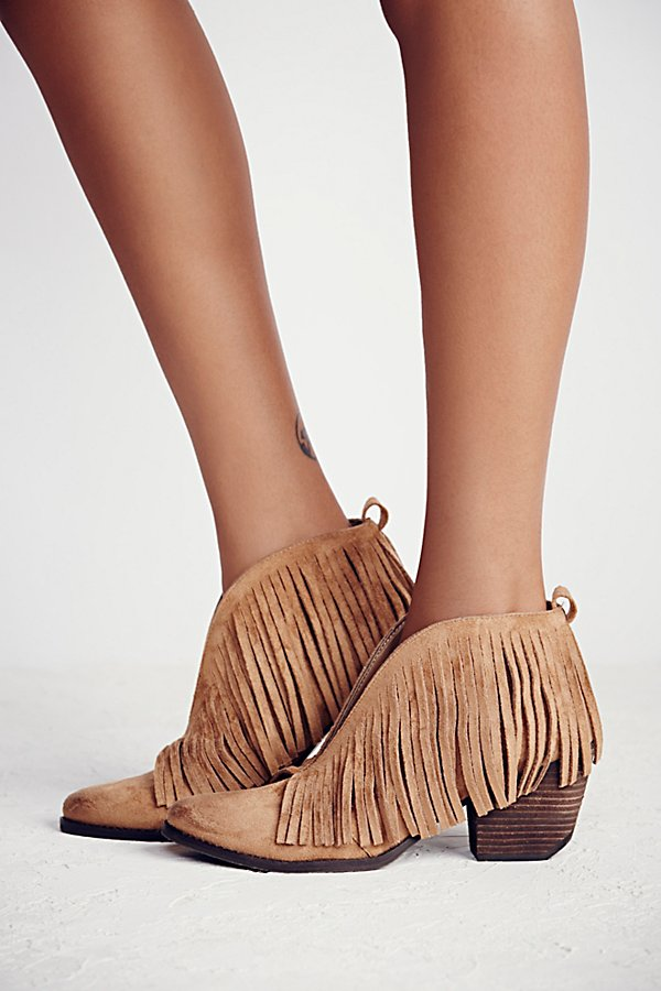 Slide View 2: Tulsi Fringe Boot
