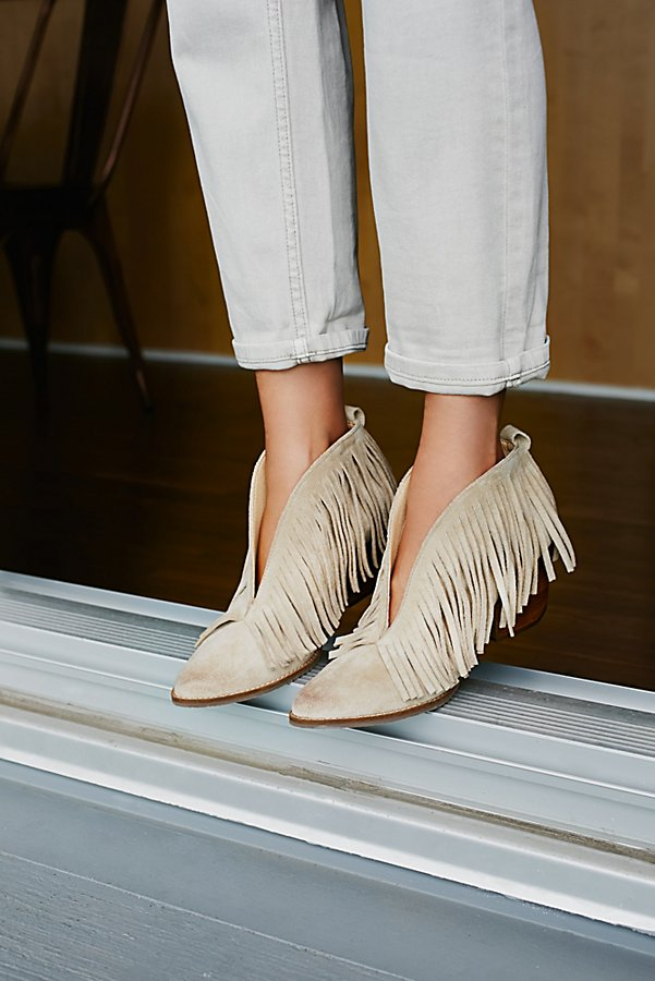 Slide View 1: Tulsi Fringe Boot