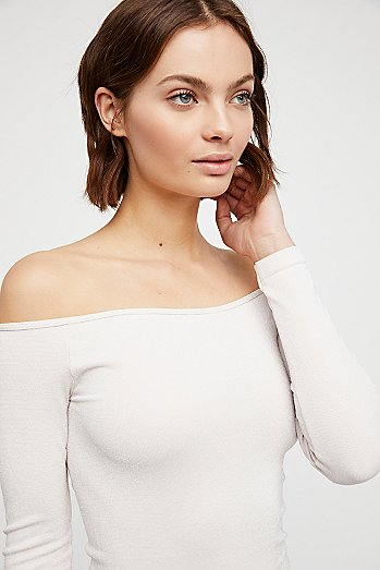 Off -The-Shoulder Solid Top