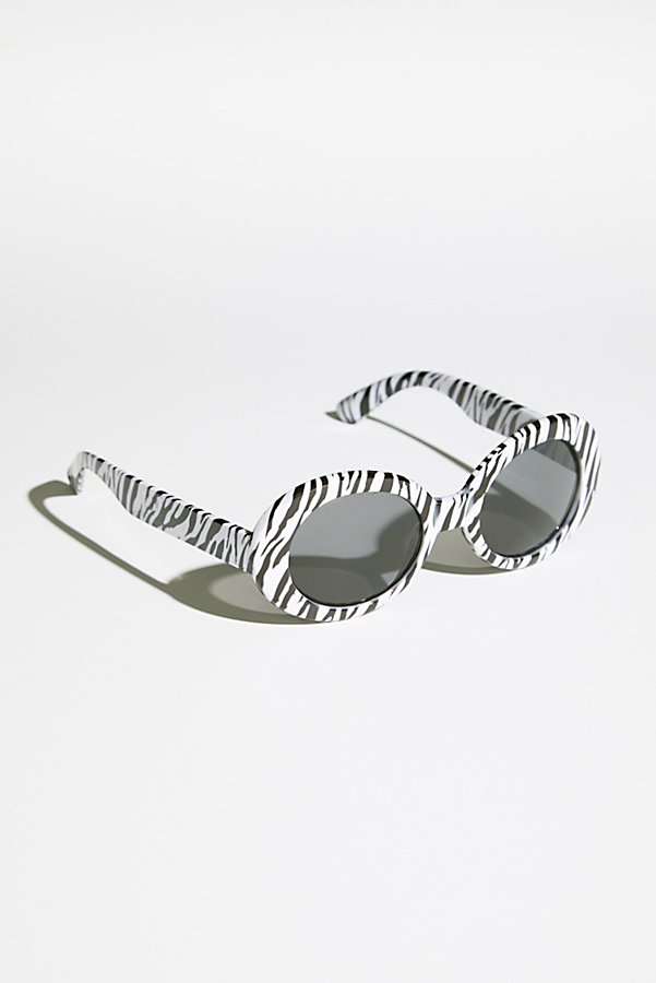 Slide View 2: Oval The Top Sunnies
