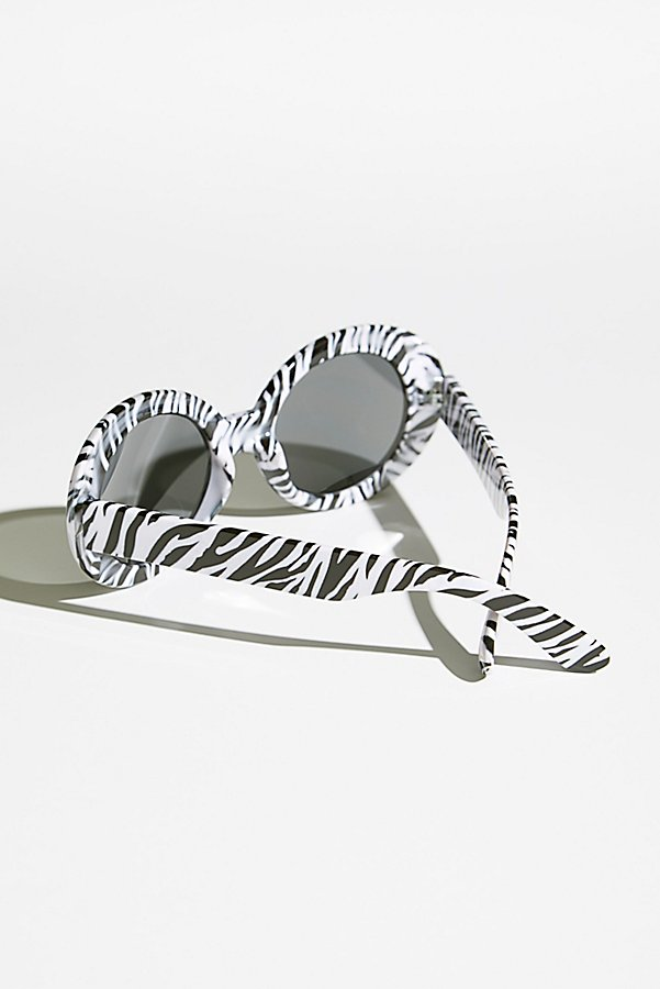 Slide View 4: Oval The Top Sunnies