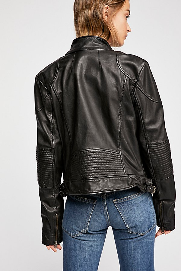 Slide View 3: Fitted and Rugged Leather Jacket