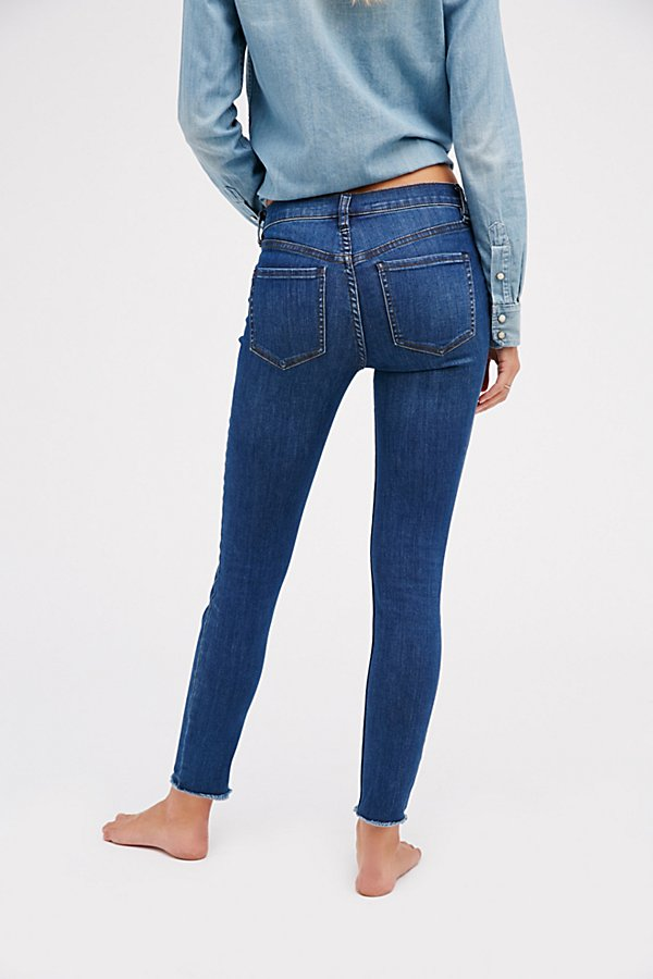 Slide View 3: Reagan Button Front Jean