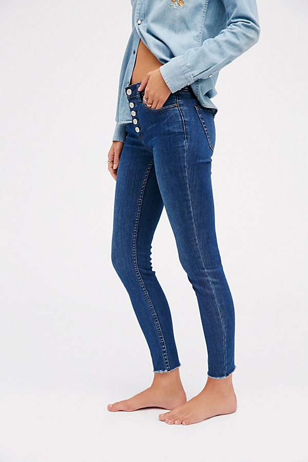 Slide View 4: Reagan Button Front Jean