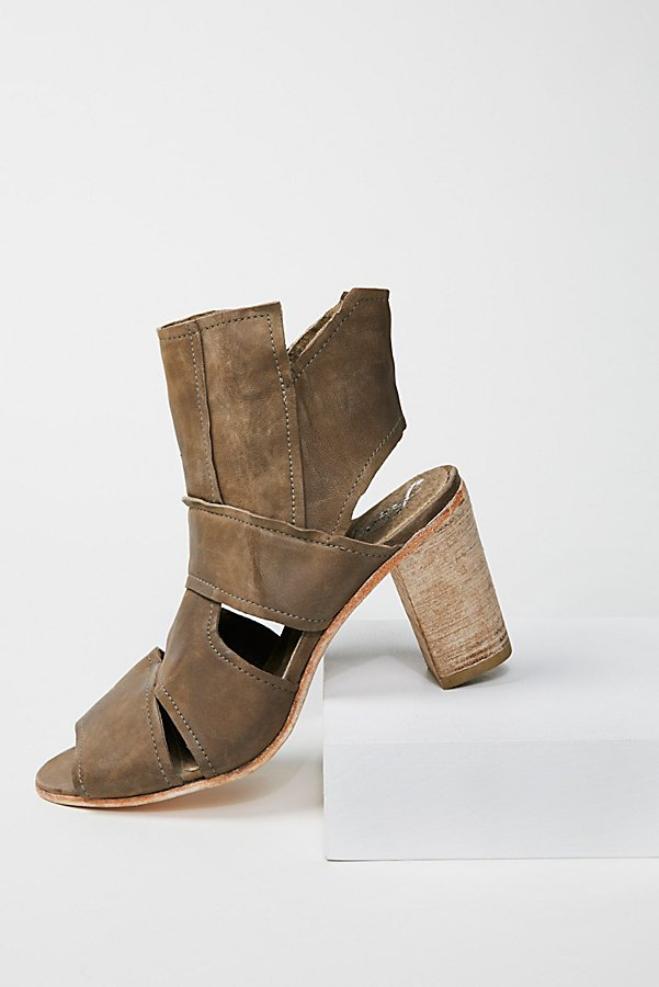 Slide View 1: Effie Block Heel