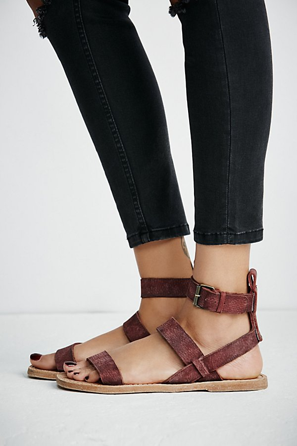 Slide View 2: Crossfire Sandal