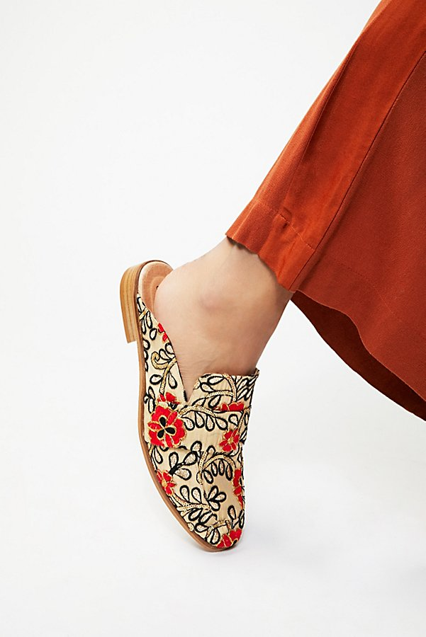 Slide View 1: Brocade At Ease Loafer