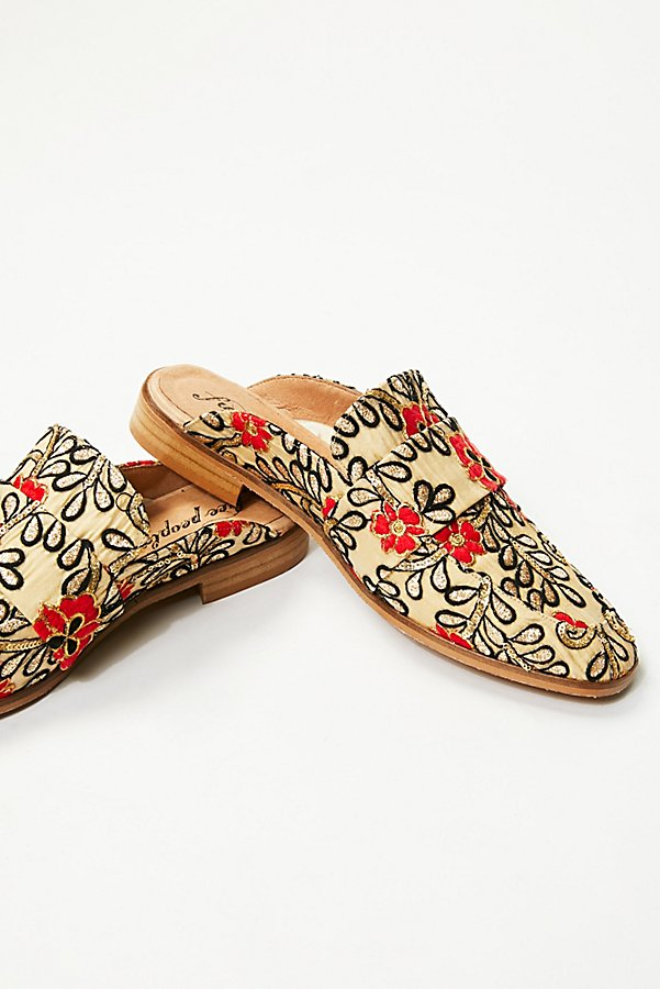 Slide View 4: Brocade At Ease Loafer