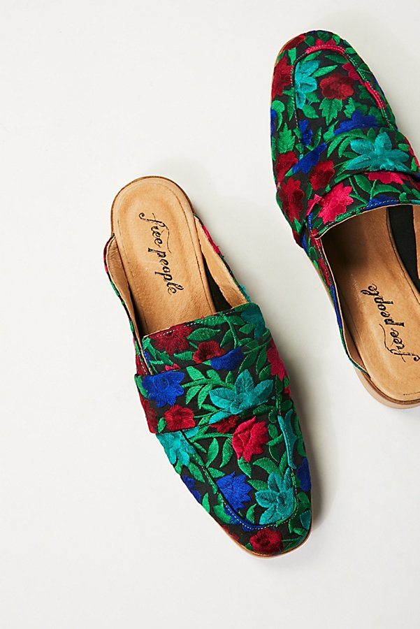 Slide View 2: Brocade At Ease Loafer