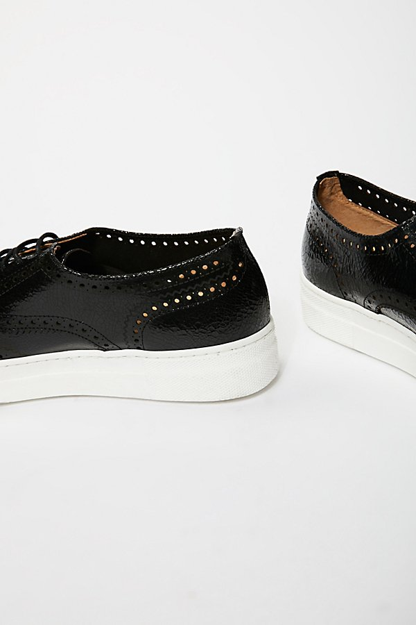 Slide View 4: Kimmie Oxford Trainer