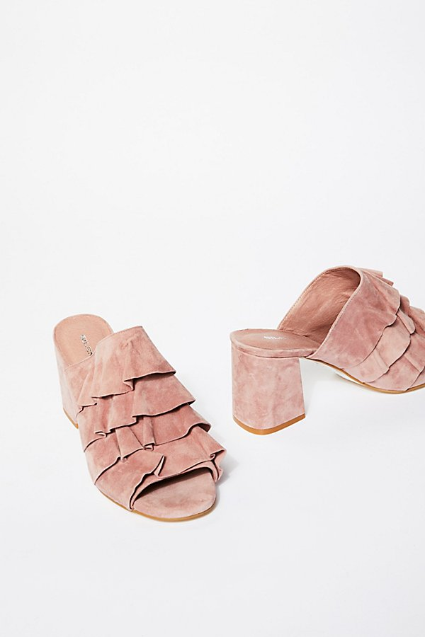 Slide View 1: Cleo Ruffle Block Heel