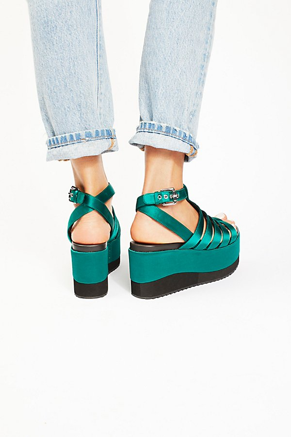 Slide View 3: Lola Platform Wedge