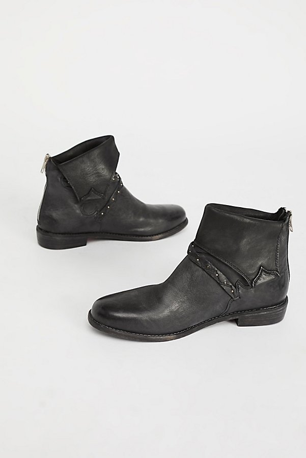 Slide View 2: Alamosa Ankle Boot