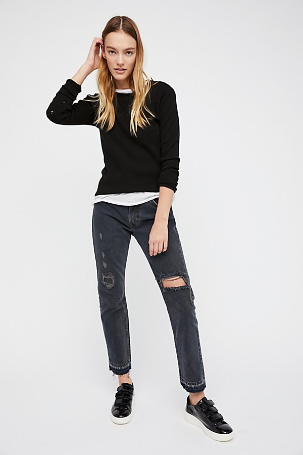 Slide View 1: 501c Distressed Crop Jeans