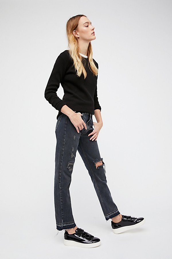 Slide View 3: 501c Distressed Crop Jeans