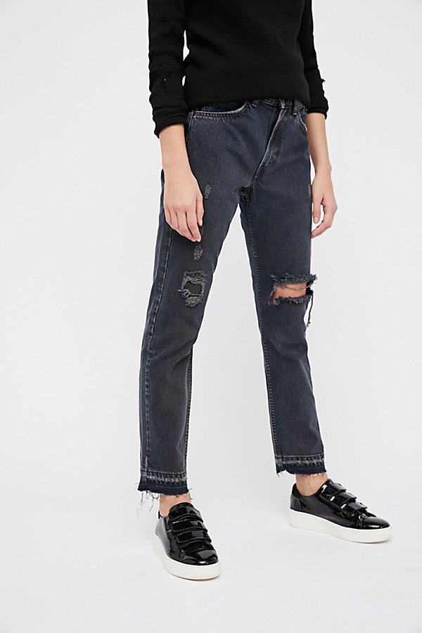 Slide View 4: 501c Distressed Crop Jeans
