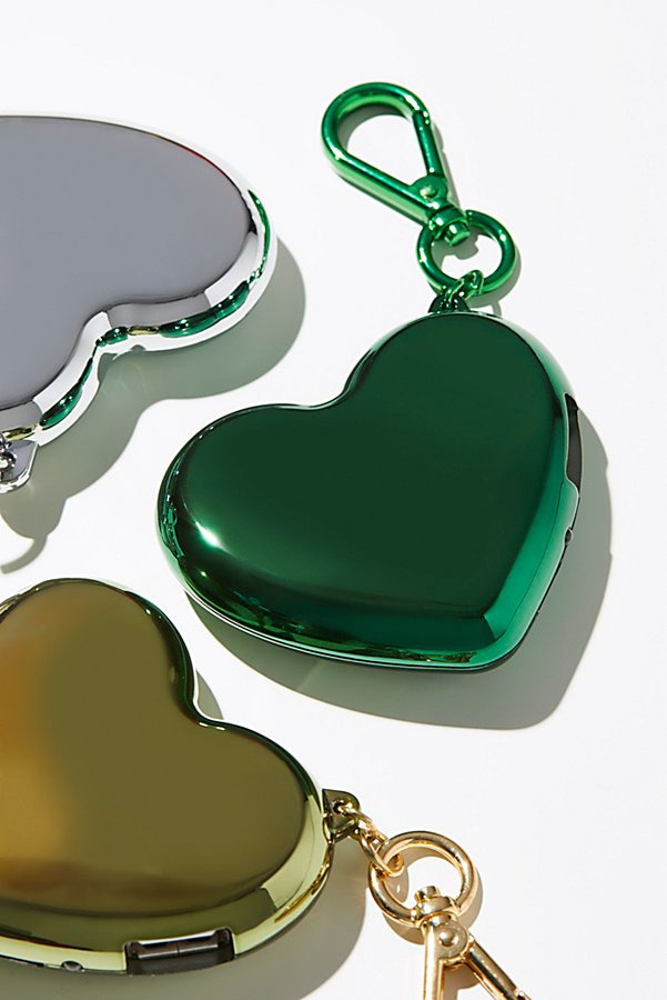 Slide View 1: Heart Charger Keychain