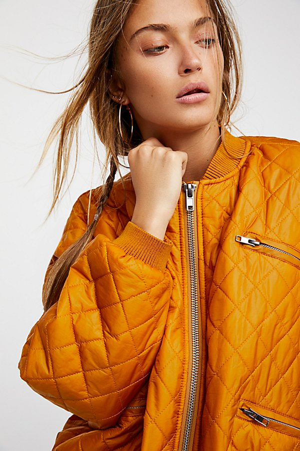 Slide View 5: Easy Quilted Bomber
