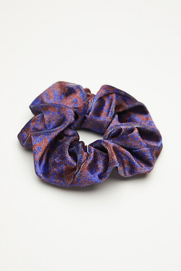 Slide View 2: Printed Velvet Scrunchie