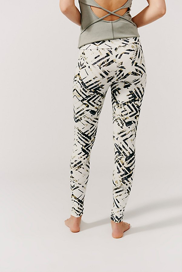 Slide View 3: Crystallized Floral Printed Legging