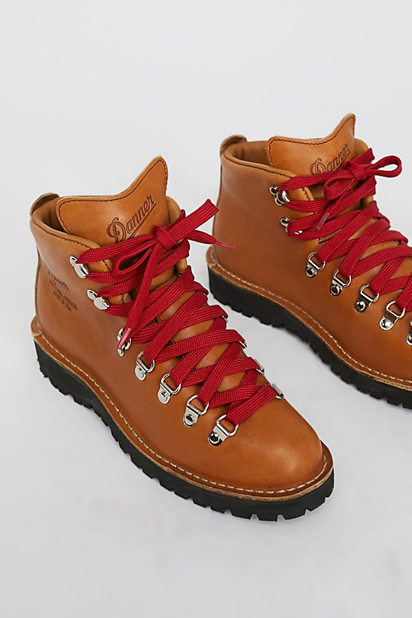 Slide View 3: Danner Cascade Mountain Hiker Boot