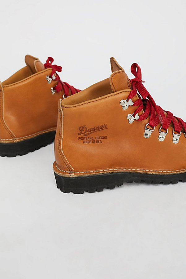 Slide View 4: Danner Cascade Mountain Hiker Boot
