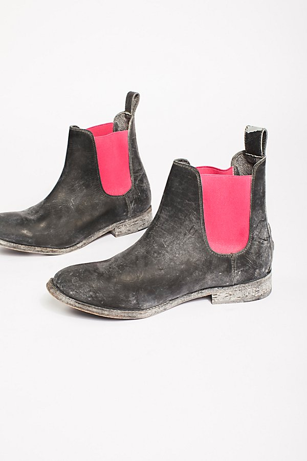 Slide View 3: Mountain Peak Chelsea Boot