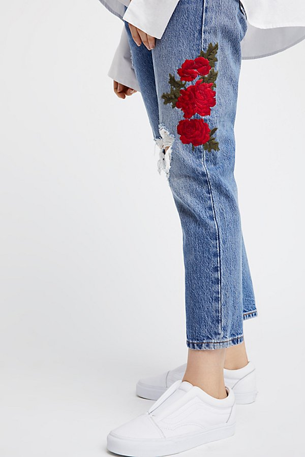 Slide View 4: Levi's 501 Cropped Taper Jeans