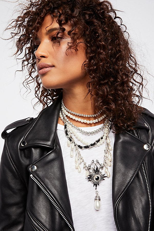 Slide View 1: Girl In The Pearls Statement Necklace