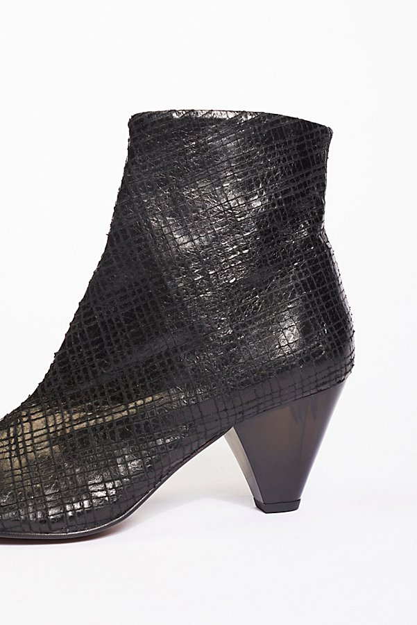 Slide View 3: Leather Aspect Heel Boot