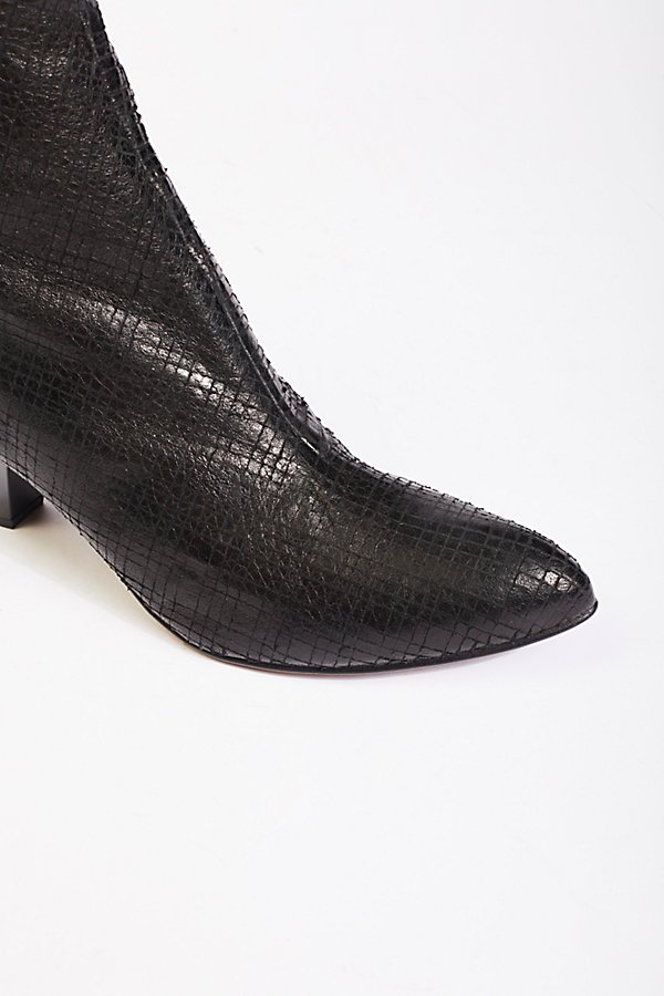 Slide View 4: Leather Aspect Heel Boot