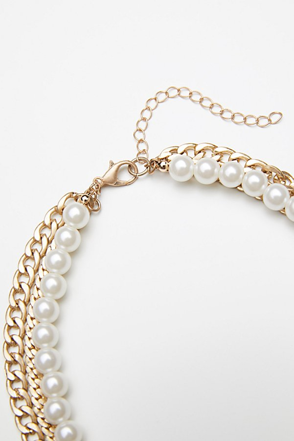 Slide View 3: Maya Pearl Chain Layered Collar