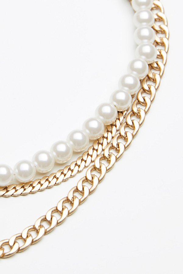 Slide View 4: Maya Pearl Chain Layered Collar