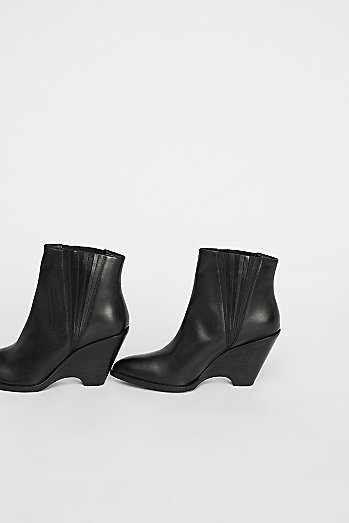Julep Wedge Boot