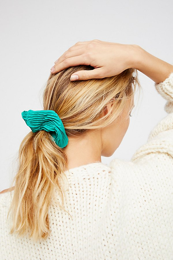 Slide View 1: Pleated Scrunchie
