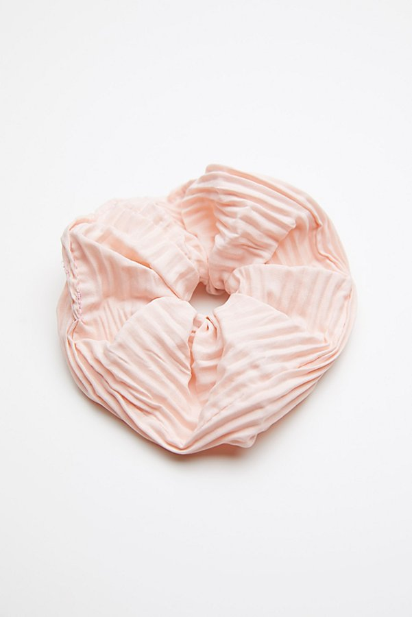 Slide View 2: Pleated Scrunchie