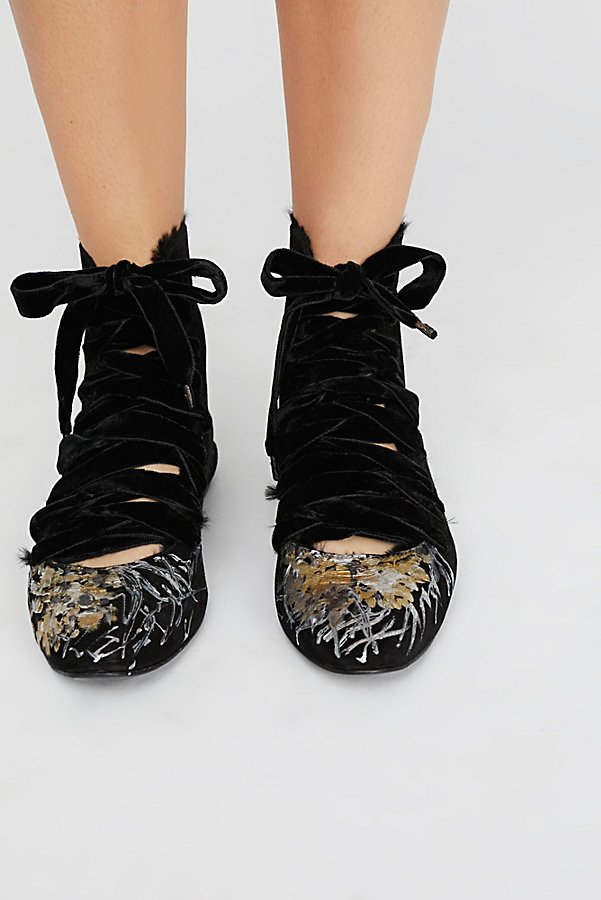 Slide View 3: Moon Flowers Flat Boot