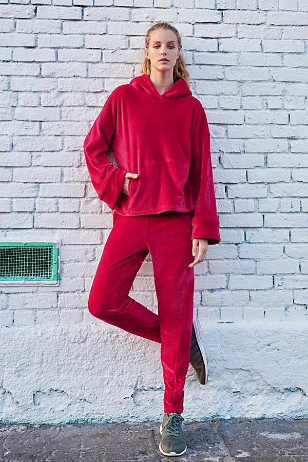 Slide View 1: Cherry Jogger