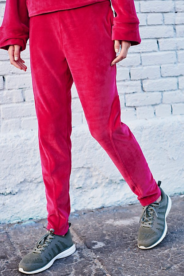 Slide View 2: Cherry Jogger