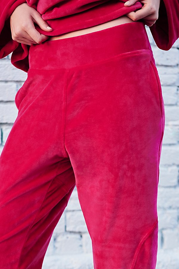 Slide View 4: Cherry Jogger