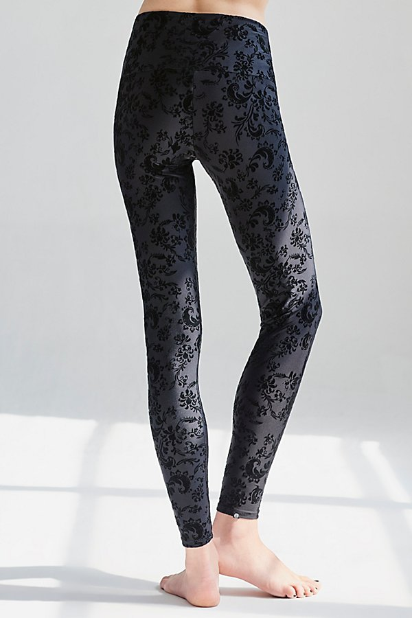 Slide View 3: Flocked Legging