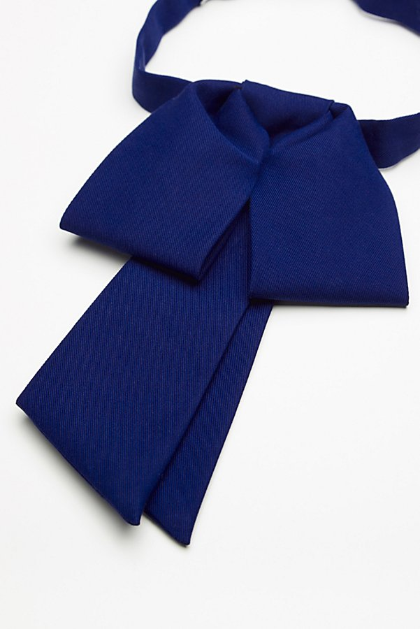 Slide View 3: Anika Bow Neck Tie