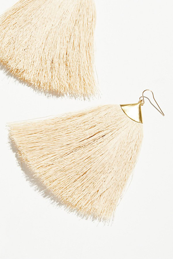 Slide View 2: Dusting Tassel Earrings