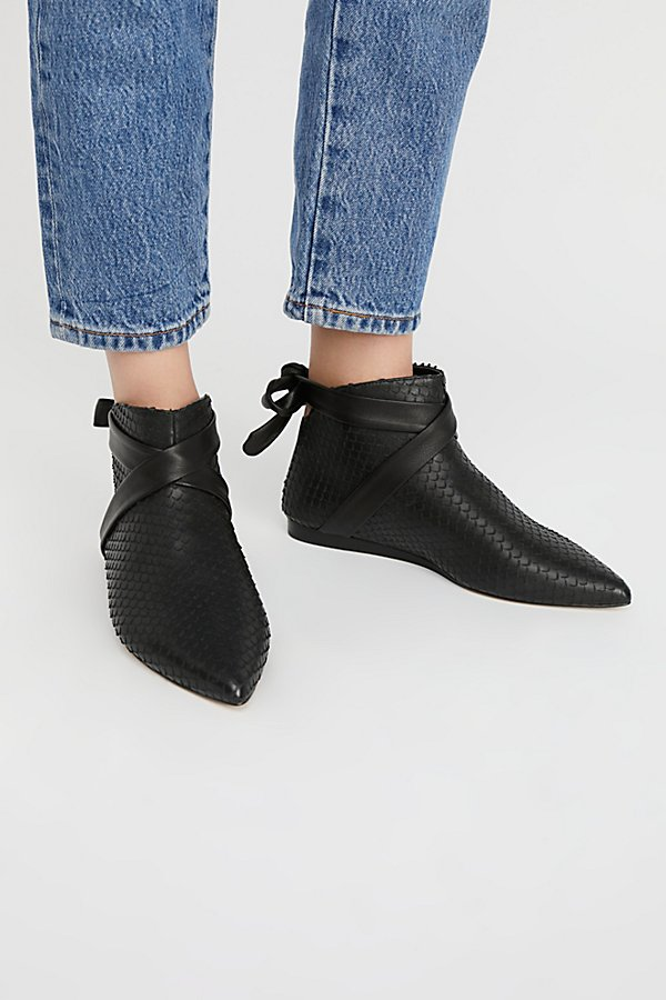 Slide View 2: Derby Ankle Boot