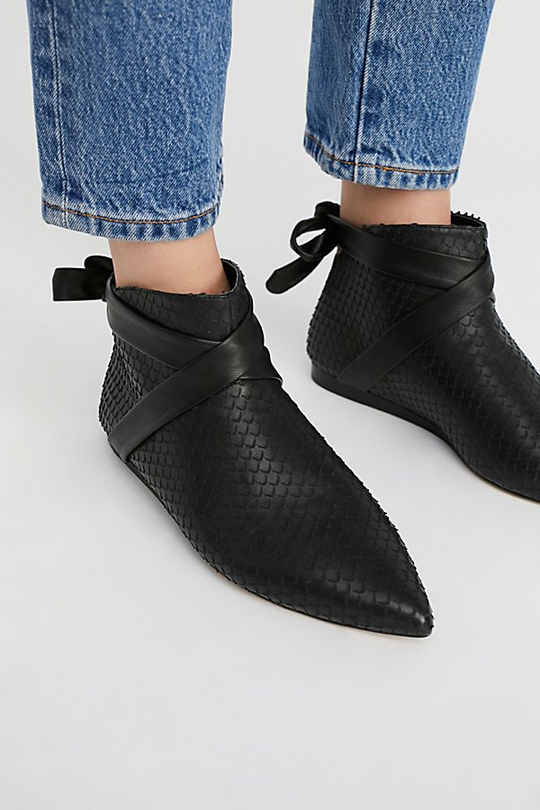 Slide View 3: Derby Ankle Boot