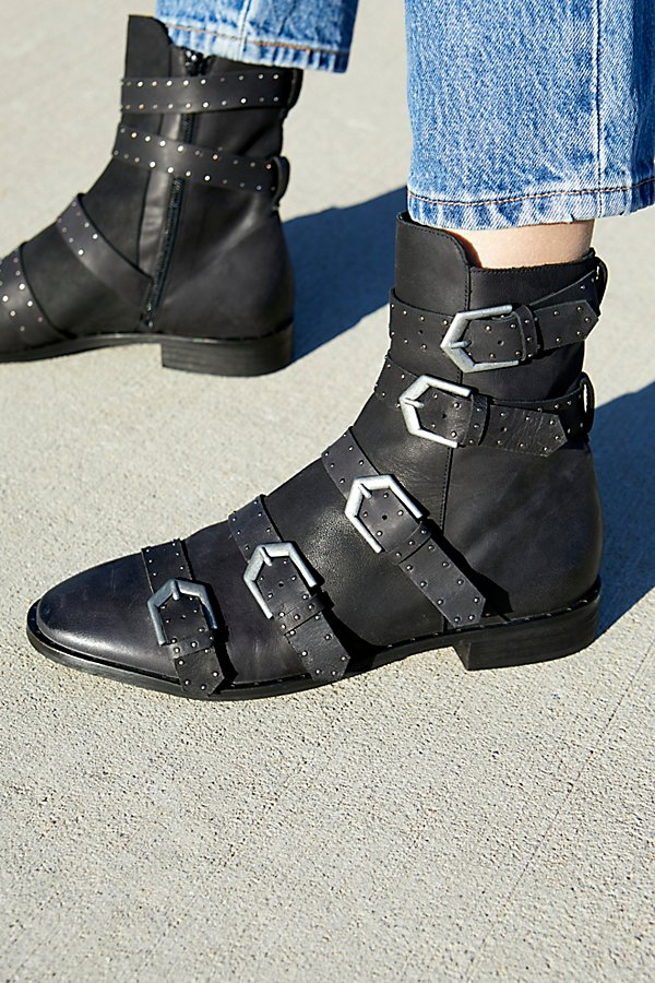 Slide View 4: Archer Ankle Boot
